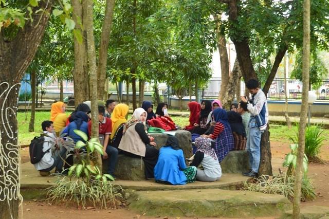 Kopdar Komunitas Sebagai Aktivitas di Hutan Kota