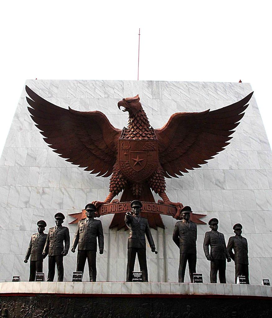 Patung Pahlawan Revolusi saat hari kesaktian pancasila