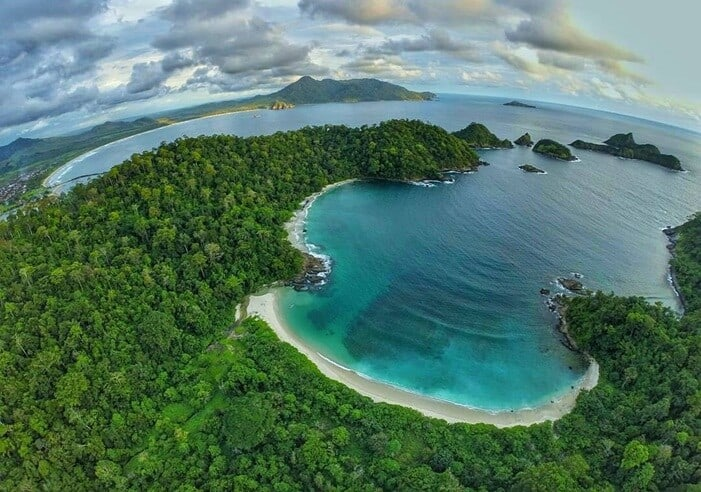 Gambar Meru Betiri: https://www.nativeindonesia.com/taman-nasional-meru-betiri/
