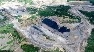 Gambar 2: Degradasi hutan menjadi lahan tambang