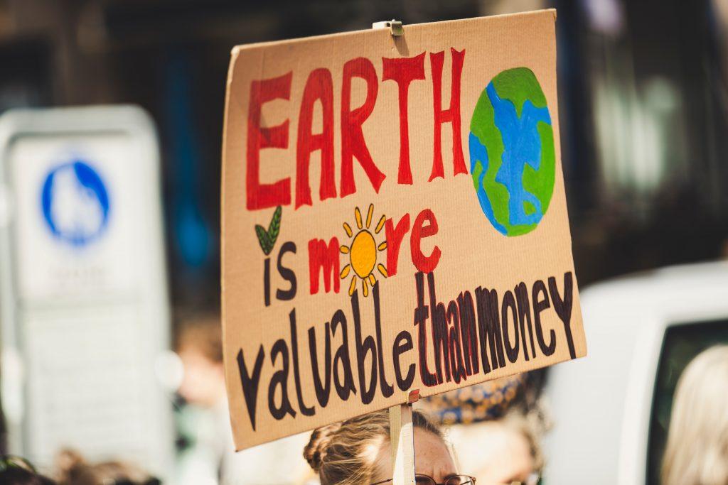 Gerakan Protes Menuntut Kepedulian Pemerintah Bagi Alam © Markus Spiske on Unsplash