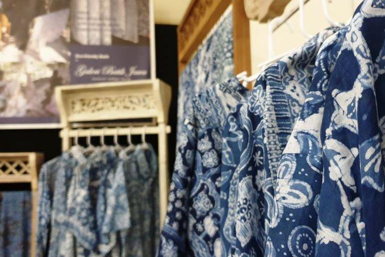Gambar 2. Batik dengan warna nila