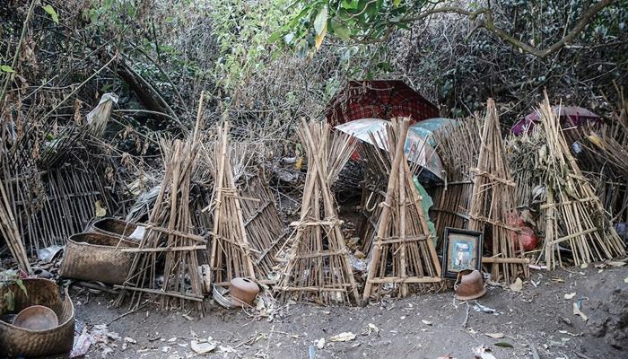 Area pemakaman di Desa Trunyan /photoshelter
