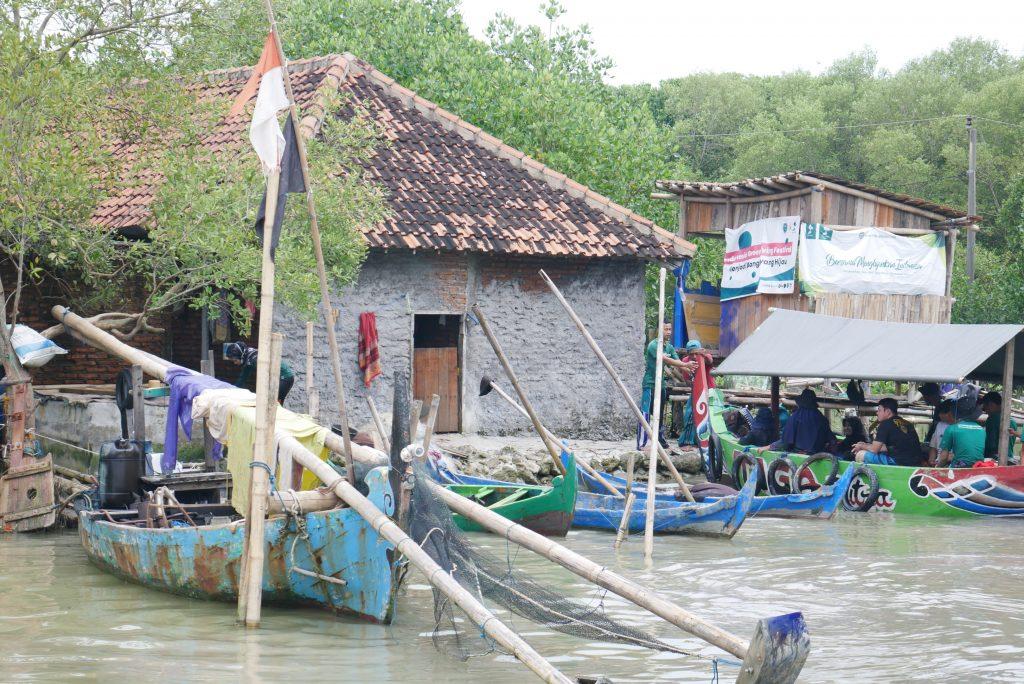 Rumah yang Tersisa Setelah Tenggelamnya Beberapa Wilayah Desa Bedono © Dokumentasi LindungiHutan