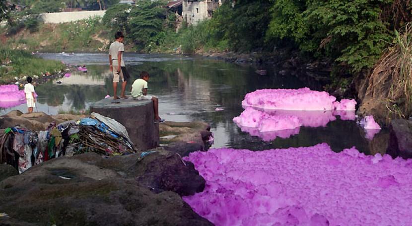 Gambar 5. Polusi Air Akibat Produksi Pakaian