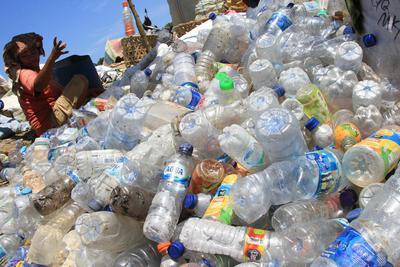 Gambar 3 Sampah Plastik